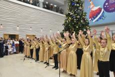 Губернатор Андрей Травников поздравил новосибирцев с Рождеством