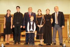 Руководителю и коллективу Новосибирской специальной музыкальной школы вручены награды Минкультуры России