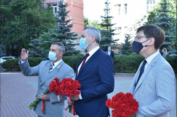Губернатор Андрей Травников поздравил коллектив Западно-Сибирской железной дороги с наступающим профессиональным праздником