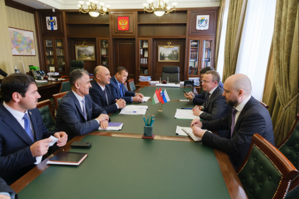 Новосибирской области предложили реализовать инвестпроекты в Таджикистане