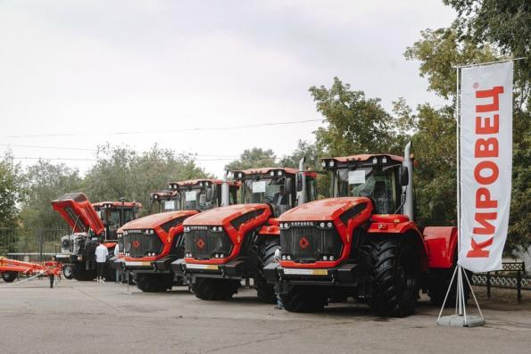ПТЗ продемонстрировал оренбургским аграриям модернизированный «КИРОВЕЦ»