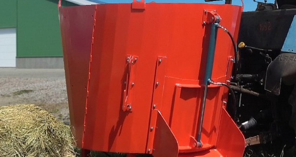 Завод из Краснодарского края запустил производство современных кормораздатчиков для ферм